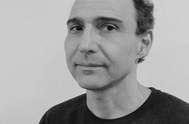 De huisarts flyert bij het ziekenhuis – interview met Igor Monzón (positie 8 op de lijst) – LC Noord – 3 maart 2021